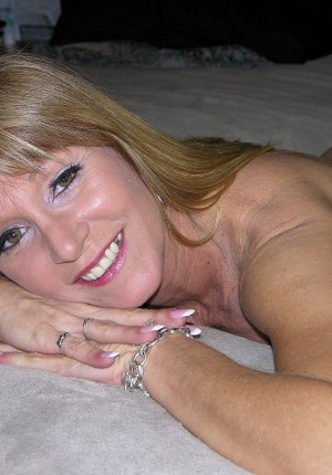 hot lesbian maids porn