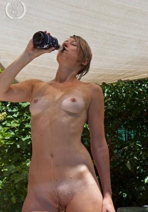 wpid-beer-wench10.jpg