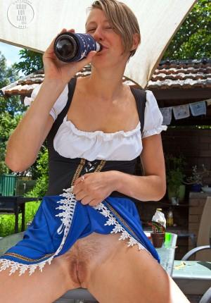 wpid-beer-wench3.jpg