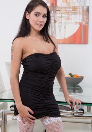 wpid-mischel-lee-takes-off-black-dress-and-stockings1.jpg