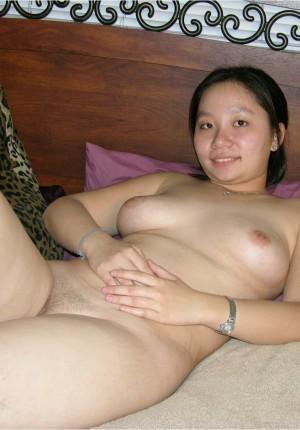 wpid-18-year-old-pussy-spreader10.jpg