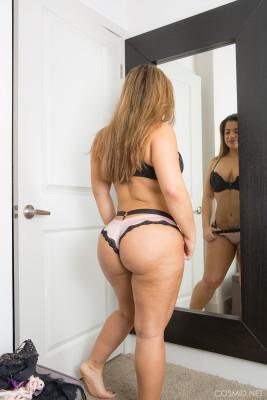 Lisa Martiz Nude