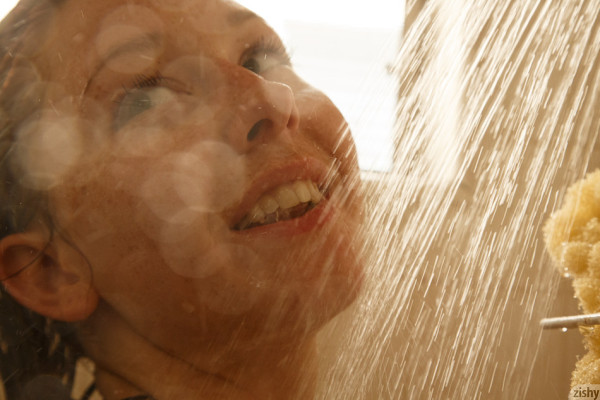 Wpid Curvy Sexy Spencer Bisson In The Shower
