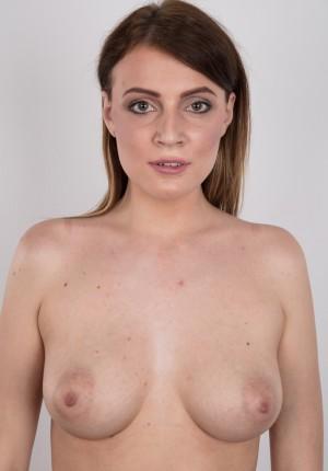 wpid-czech-amateur-klara-reveals-great-tits-and-a-sensual-nude-body10.jpg