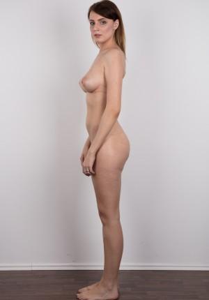 wpid-czech-amateur-klara-reveals-great-tits-and-a-sensual-nude-body14.jpg