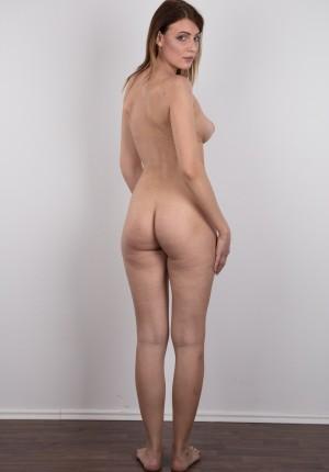wpid-czech-amateur-klara-reveals-great-tits-and-a-sensual-nude-body18.jpg