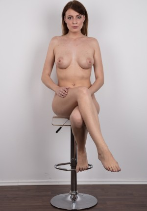wpid-czech-amateur-klara-reveals-great-tits-and-a-sensual-nude-body20.jpg