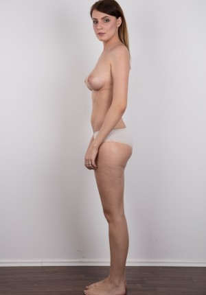 wpid-czech-amateur-klara-reveals-great-tits-and-a-sensual-nude-body9.jpg