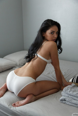 Gorgeous exotic babe Pia Marzo is definitely sexy panty model material