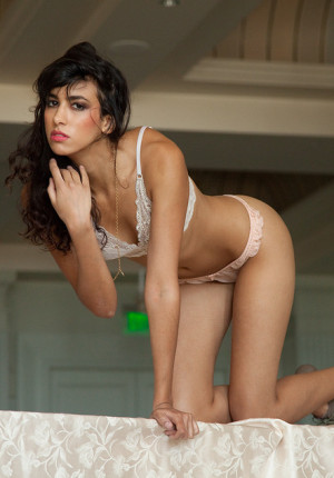 wpid-tall-exotic-brunette-babe-paola-uribe-has-incredibly-long-legs-and-likes-to-show-off-her-panties2.jpg