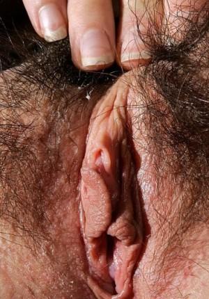 wpid-australian-amateur-girl-daniella-strips-outside-and-frolics7.jpg