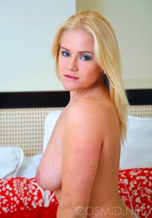 wpid-blonde-girl-next-door-katie-showing-her-nice-floppy-tits13.jpg