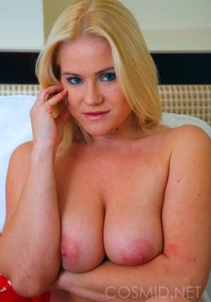 wpid-blonde-girl-next-door-katie-showing-her-nice-floppy-tits9.jpg