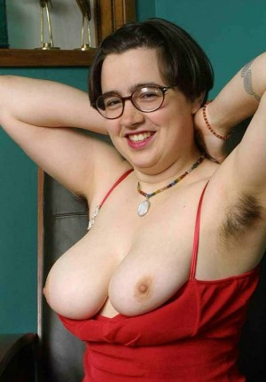 wpid-cori-shows-us-her-natural-hairy-and-chubby-behind-parts15.jpg