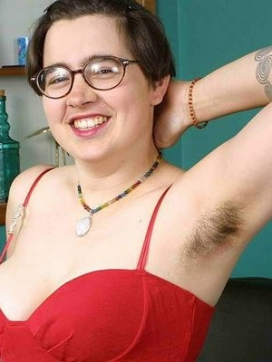 wpid-cori-shows-us-her-natural-hairy-and-chubby-behind-parts4.jpg