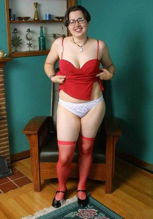 wpid-cori-shows-us-her-natural-hairy-and-chubby-behind-parts7.jpg