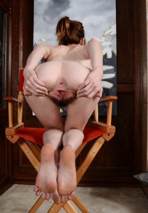wpid-emma-pulls-her-legs-back-and-gapes-her-hairy-pussy13.jpg