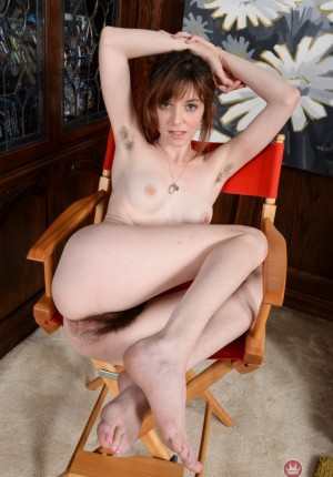 wpid-emma-pulls-her-legs-back-and-gapes-her-hairy-pussy20.jpg