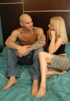 Blonde hairy girl Heidi gets her natural pussy pounded and gets a facial