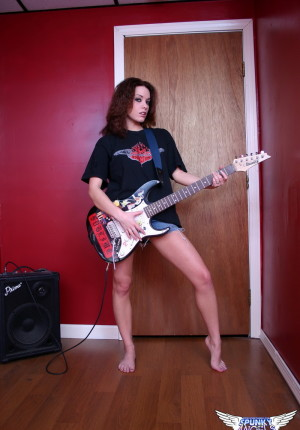 wpid-perky-rock-chick-serena-shows-off-her-perfect-tits-as-she-gets-fully-naked-with-her-guitar2.jpg