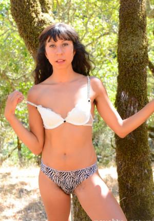 wpid-vivi-marie-nude-outdoor6.jpg