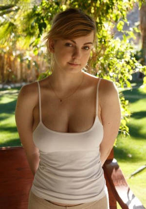wpid-curvy-coed-alyssa-weiber-lets-her-big-boobs-out-to-play7.jpg