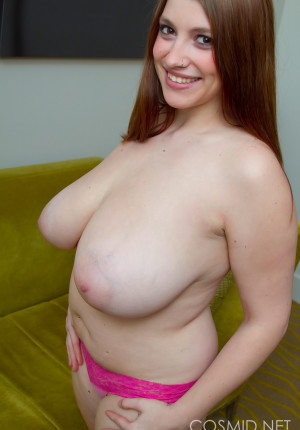 wpid-hefty-hottie-jaime-takes-off-her-work-clothes-to-go-topless16.jpg