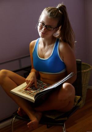 Hot college girl Tatiana Penskaya displays her amazing ass