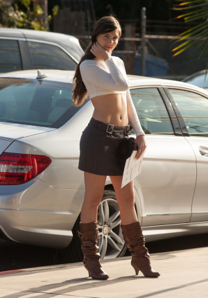 wpid-stunning-newcomer-irene-quinn-looks-fetching-in-her-boots-and-skirt6.jpg