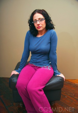 Big butt amateur Jordana in glasses and a blue long sleeve shirt