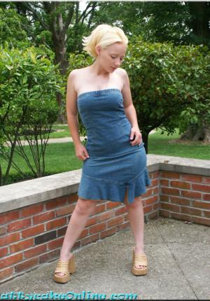 wpid-blonde-teen-pattycake-outdoor-panty-upskirt-pics1.jpg