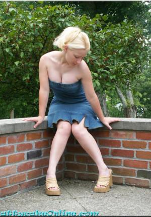wpid-blonde-teen-pattycake-outdoor-panty-upskirt-pics2.jpg