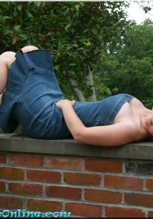 wpid-blonde-teen-pattycake-outdoor-panty-upskirt-pics4.jpg