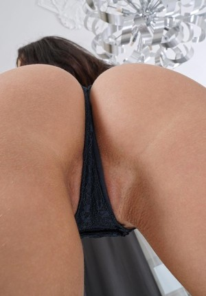 Stunning girl Jasmine Jazz showing her perfect ass and pussy