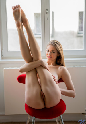 wpid-slim-sexy-merry-pie-loves-to-be-watched-while-she-masturbates10.jpg