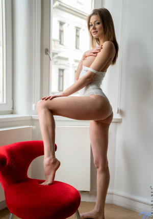 wpid-slim-sexy-merry-pie-loves-to-be-watched-while-she-masturbates4.jpg