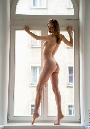 wpid-slim-sexy-merry-pie-loves-to-be-watched-while-she-masturbates6.jpg