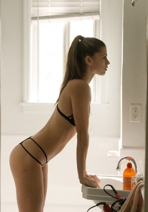 Leggy heart stopper Mazzy Plimpton models her sexy tiny bra and panties