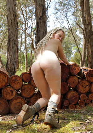 wpid-natural-curvy-blonde-with-dreadlocks-named-sunday-relaxing-in-the-woods9.jpg