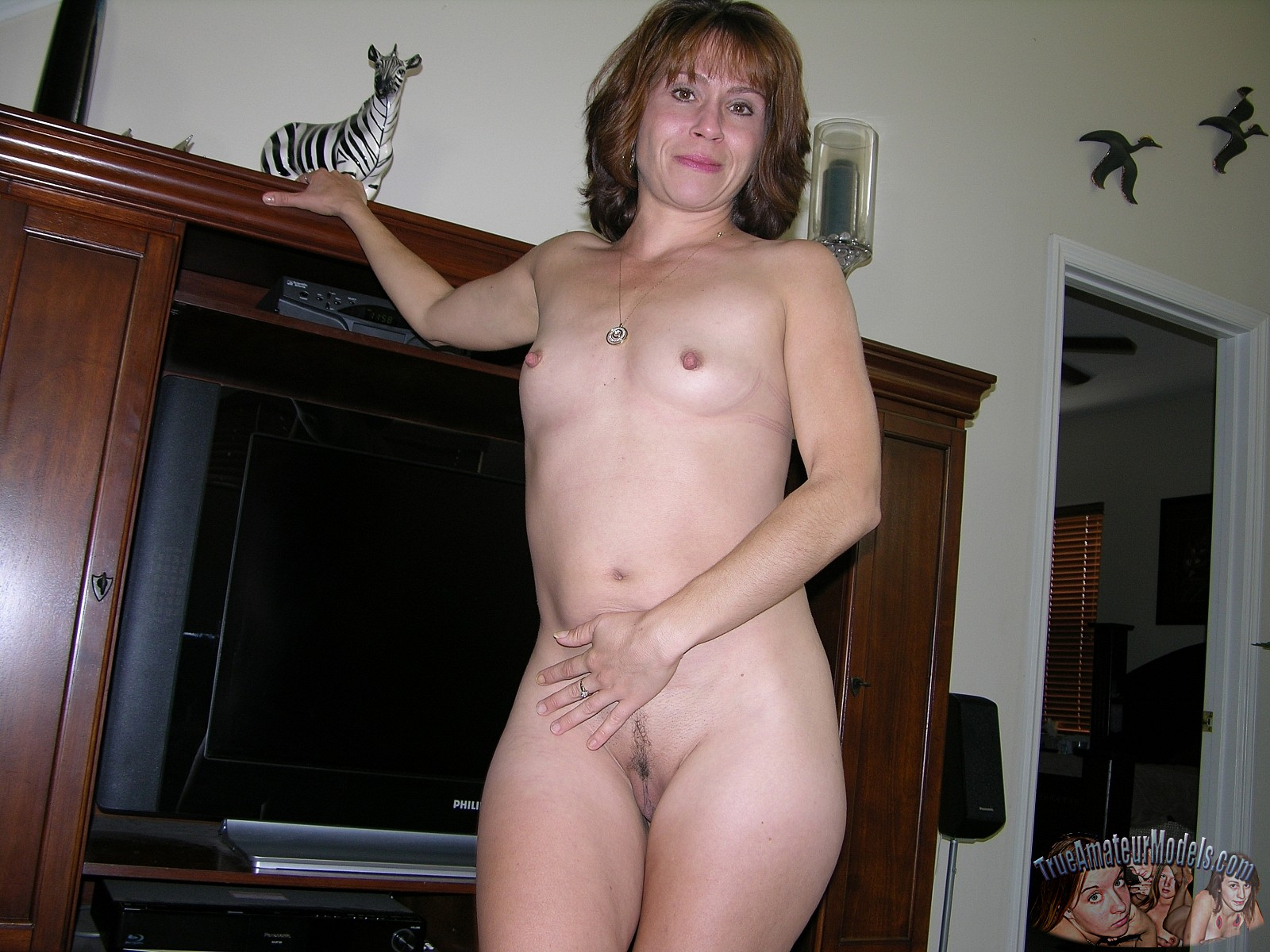 Mature amateur milf naked with toys