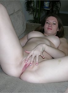 Bald pussy big tit amateur kaylie spreads her coochie