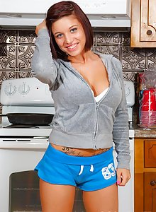 teen girl Minnie cooks for you