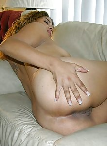 Amateur Hispanic Woman Spreading Nude And Giving Wicked Blowjob