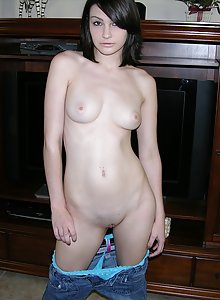 Sexy Amateur Dark Haired Beauty Modeling Nude