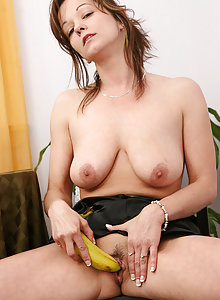 Sexy Samantha has more then on use for a long banana
