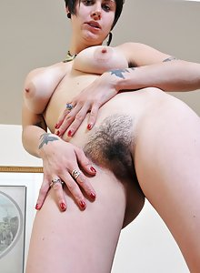 Luna opens up her moist hairy beaver