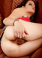 Lani Pink pulls her hairy snatch wide