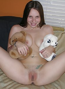 Zoe Rae Modeling Nude And Spreading Teenager Pussy