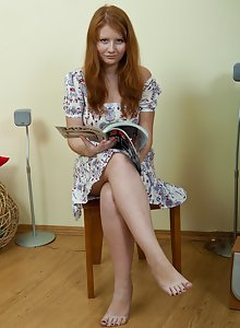 Scarlett tries to stay focused on her magazine