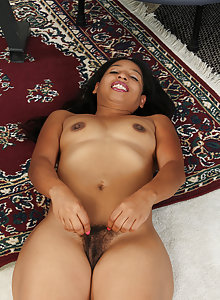 Exotic MILF Theresa Longhas a hairy pussy